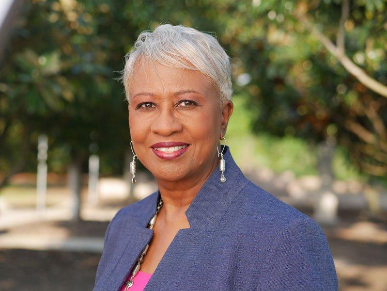 Lillian Davenport, Transformational Leadership Strategist